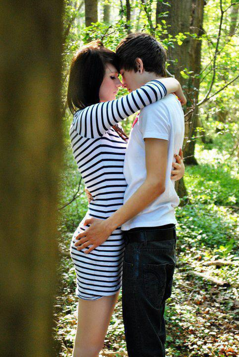 Download Hug in the forest - Romantic wallpapers for your mobile cell phone