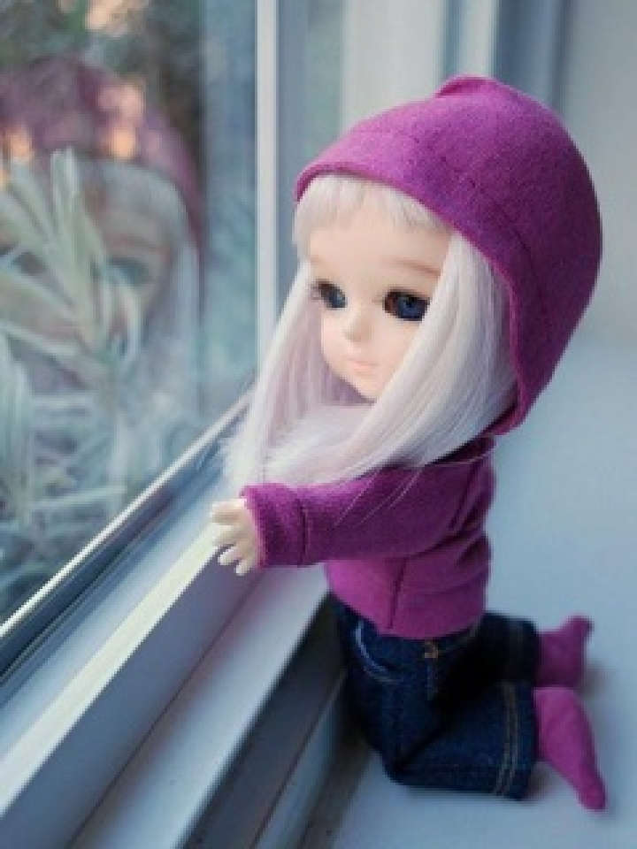 Description Download Cute Sad Doll Wallpaper