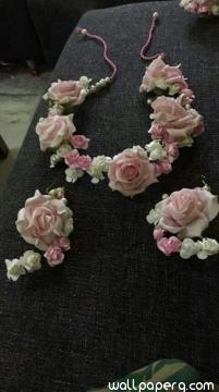 Beautiful floral jewellery for bride