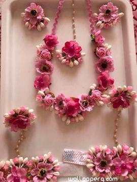 Decent floral jewellery for bride