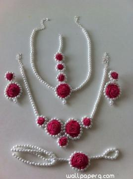 White and pink floral jewellery for bride mehendi s night