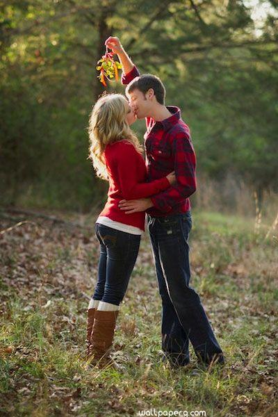 Kiss in the forest image