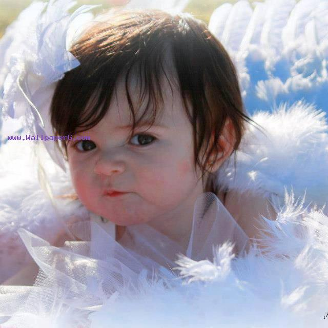 Pari  angel in hey baby