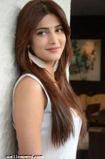 Shruti hassan stylish ima