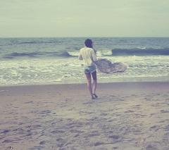 Girl on seaside dp pic ,wide,wallpapers,images,pictute,photos