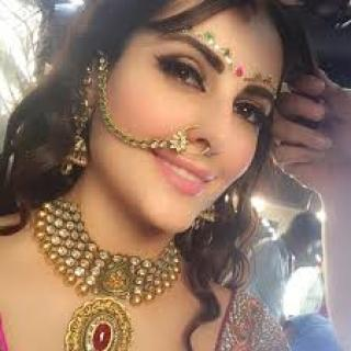 Mandana karimi bigg boss 9 indian look ,wide,wallpapers,images,pictute,photos