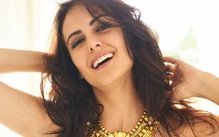 Mandana karimi adorable smile