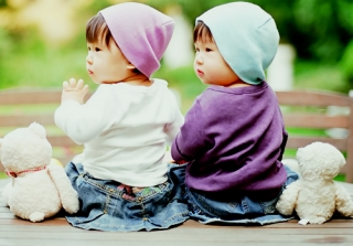 Asian twin babies ,wallpapers,images,