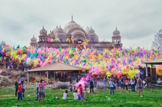 Amazing holi festival celebration image ,wide,wallpapers,images,pictute,photos