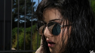 Sunny leone in black goggles ,wallpapers,images,
