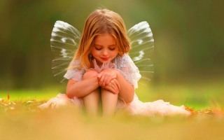 Fairy wings cute baby girl wallpaper
