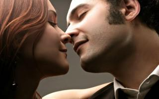 Lovely kiss hd wallpaper for lovers