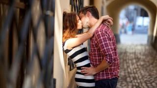 Kissing couple hd wallpaper for laptop mobile ,wallpapers,images,