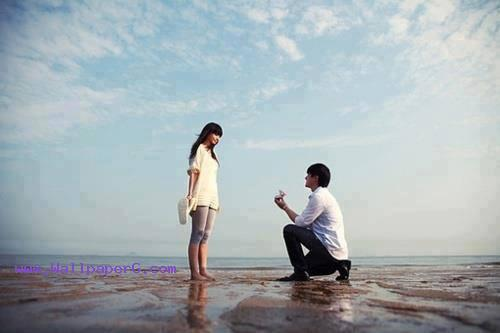 A cute proposal by a cute lover
