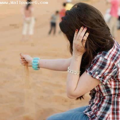 Girl playing with sand ,wide,wallpapers,images,pictute,photos