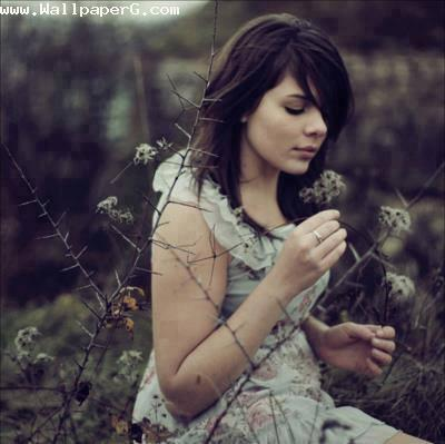Girl in a field ,wide,wallpapers,images,pictute,photos