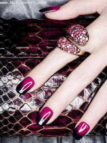 Pink and black nailart