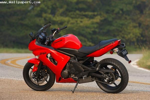 Awesome red bike kawasaki ninja 650