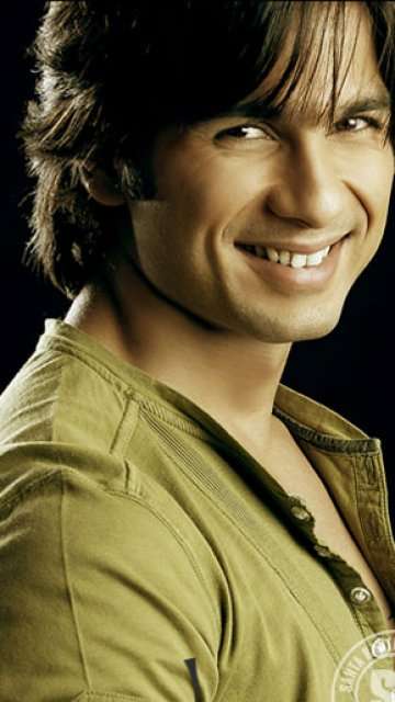 Shahid kapoor ,wide,wallpapers,images,pictute,photos