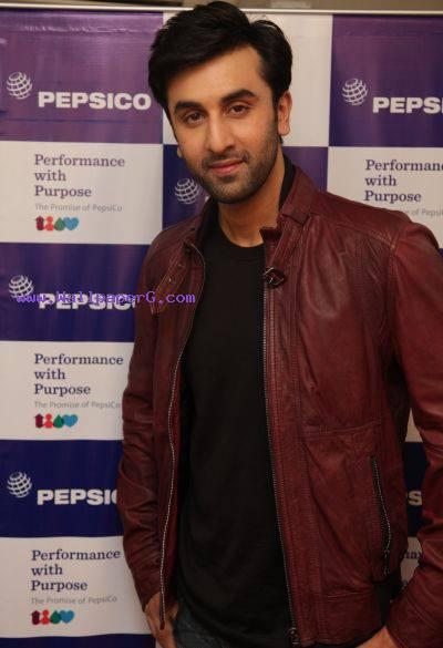Ranbir kapoor 00 ,wide,wallpapers,images,pictute,photos