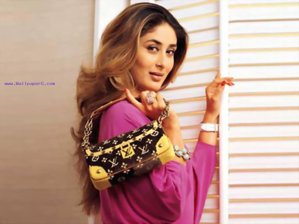 Kareena kapoor 44 ,wide,wallpapers,images,pictute,photos