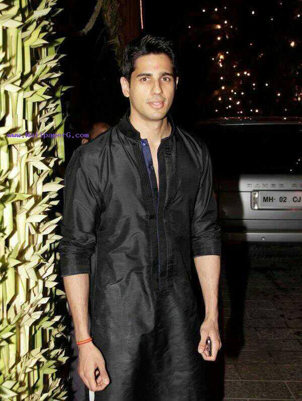 Siddharth malhotra 09 ,wide,wallpapers,images,pictute,photos