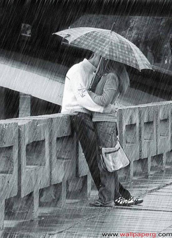 Kissing in rain ,wide,wallpapers,images,pictute,photos