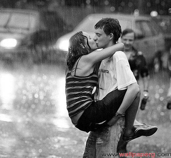 Kissing in rain 1