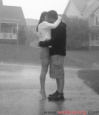 Kiss in rain