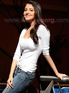 Anushka sharma look