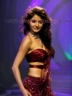 Stylish star anushka shar