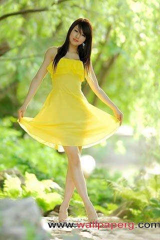 Girl in yellow