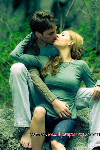 Download Romantic Kiss   Romantic Wallpapers Mobile Version