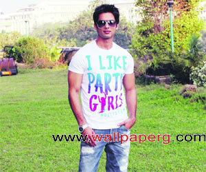 Cool shahid ,wide,wallpapers,images,pictute,photos