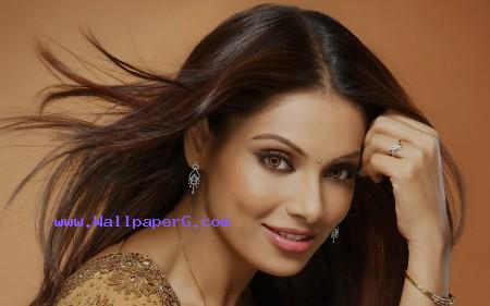 Bipasha basu sweet ,wide,wallpapers,images,pictute,photos