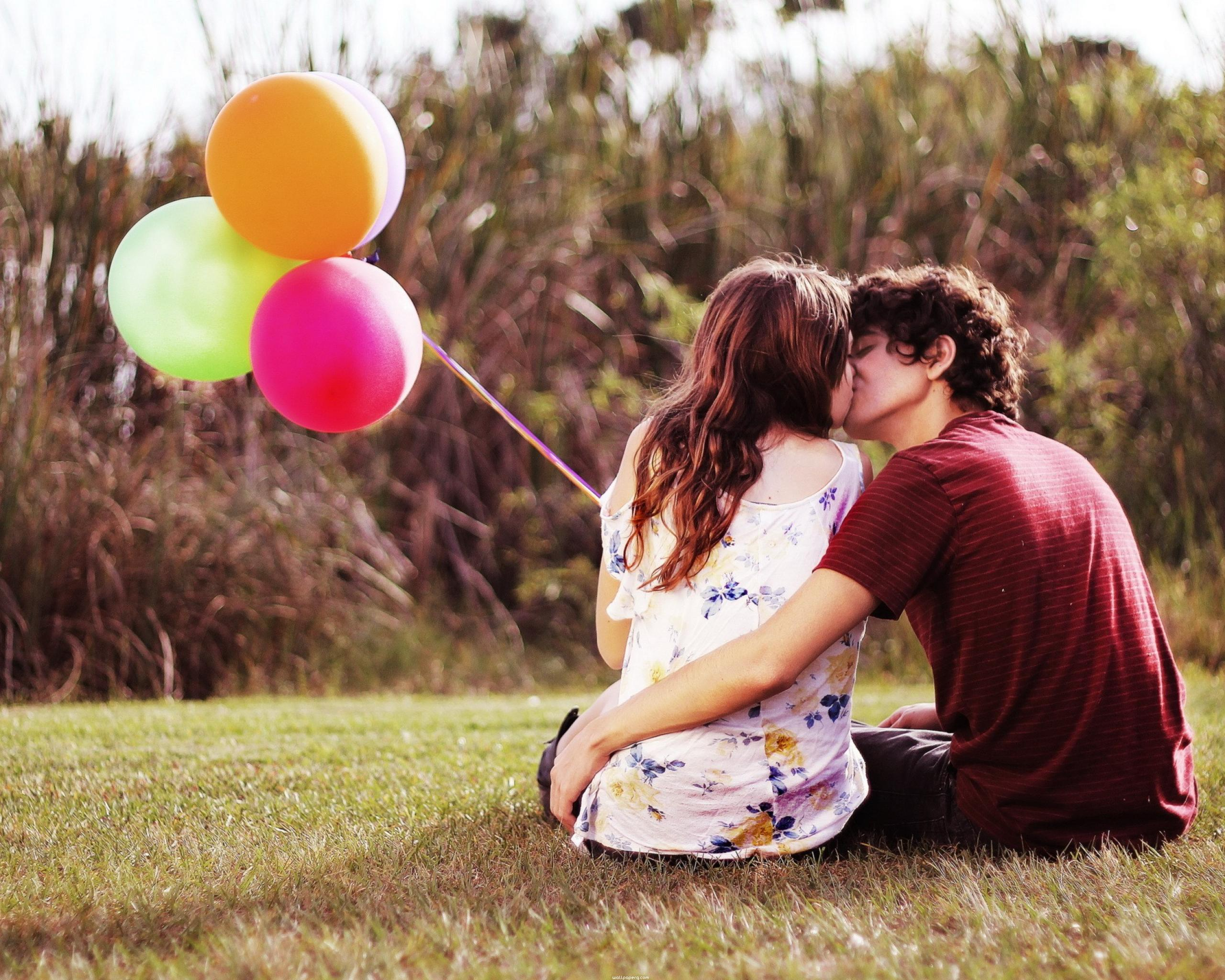 Download Sweet love couple kissing alone - Romantic wallpapers for your mobile cell phone