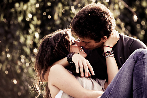Download Boy Couple Girl Love Kiss Kiss Day Wallpapers For Your