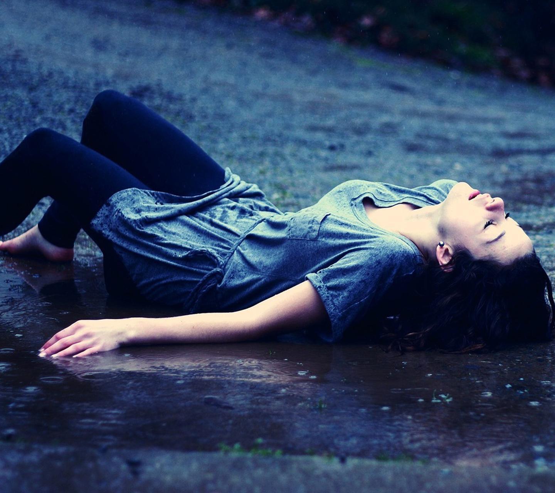 Alone girl hd image for profile picture